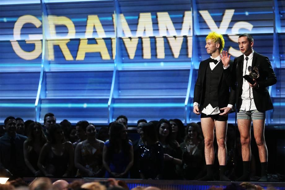 Twenty One Pilots durante a cerimônia da 59ª edição do Grammy no Staples Center, em Los Angeles, nos Estados Unidos - 12/02/2017