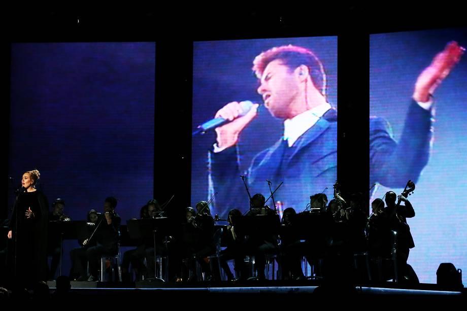 Adele pede para recomeçar apresentação durante  durante a cerimônia da 59ª edição do Grammy no Staples Center, em Los Angeles, nos Estados Unidos - 12/02/2017