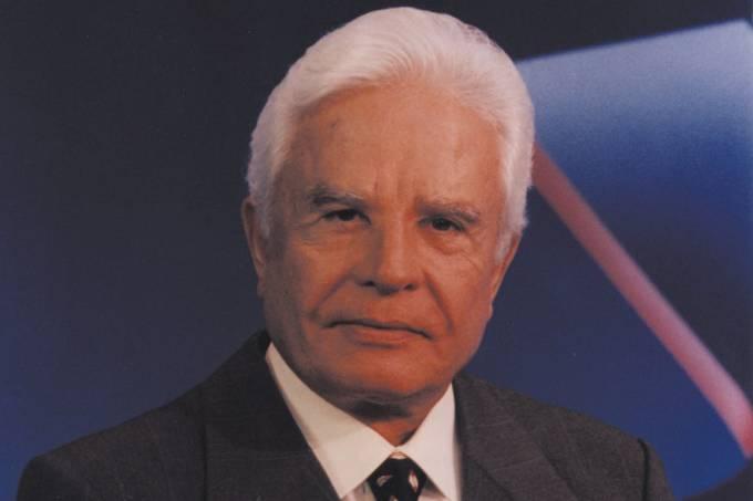 Cid Moreira, durante período em que apresentava o Jornal Nacional