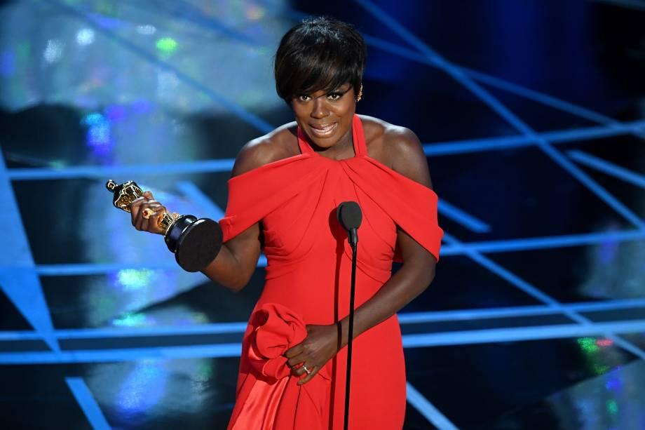 Viola Davis conquista o Oscar de Melhor Atriz Coadjuvante pelo filme 'Um Limite Entre Nós' - 26/02/2017