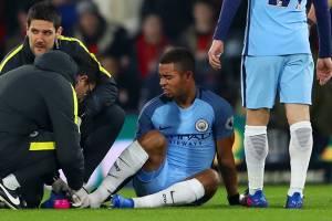 Gabriel Jesus se machuca durante partida entre Machester City e AFC Bournemouth