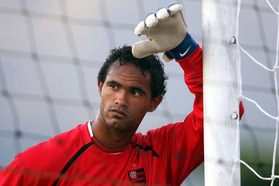 Bruno, goleiro do Flamengo, durante treino, em 2007