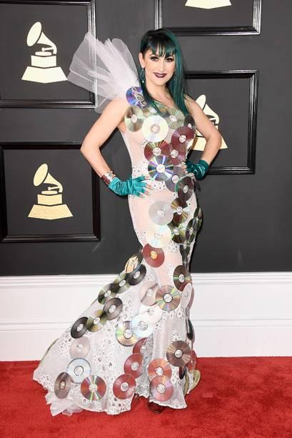 O cantora Jacqueline Van Bierk durante o Grammy 2017 no Staples Center, em Los Angeles