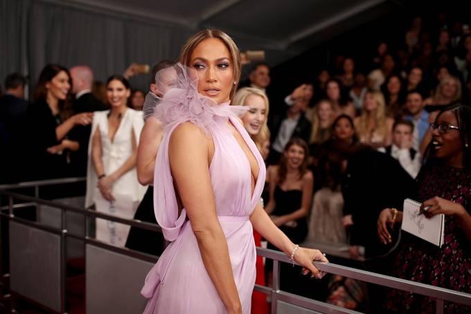 Jennifer Lopez durante a cerimônia da 59ª edição da maior premiação da música no Staples Center, em Los Angeles, nos Estados Unidos – 12/02/2017
