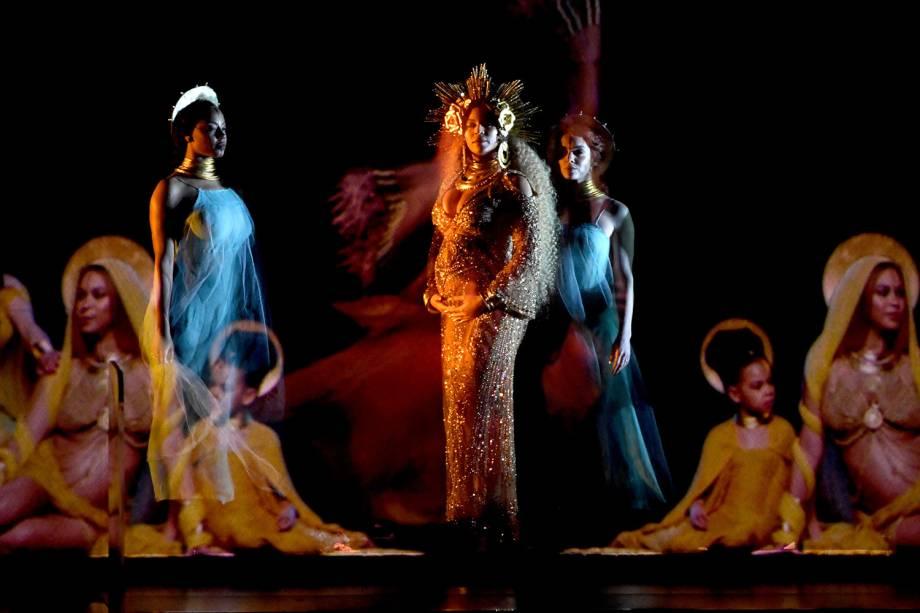 A cantora Beyoncé se apresenta grávida no Grammy 2017, em Los Angeles, nos Estados Unidos - 12/02/2017