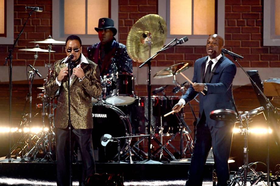 Morris Day, Jellybean Johnson, e Jerome Benton, do grupo The Time, durante a cerimônia da 59ª edição do Grammy no Staples Center, em Los Angeles, nos Estados Unidos - 12/02/2017