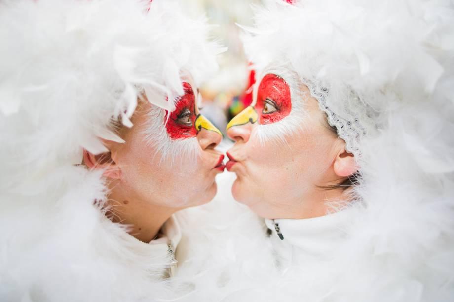 Foliãs se divertem durante as comemorações do Carnaval em Colônia, na Alemanha - 23/02/2017