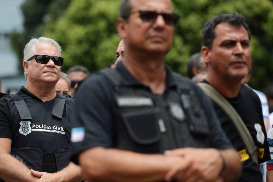 Polícia Civil do Espírito Santo faz paralisação em protesto ao assassinato de um investigador na cidade de Colatina além de reivindicar melhores condições de trabalho - 08/02/2017