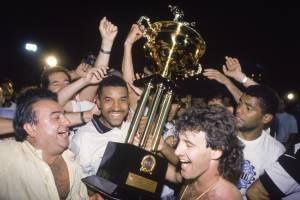 Jogadores do Corinthians comemorando a conquista do Campeonato Paulista de Futebol, no Estádio Santa Cruz.