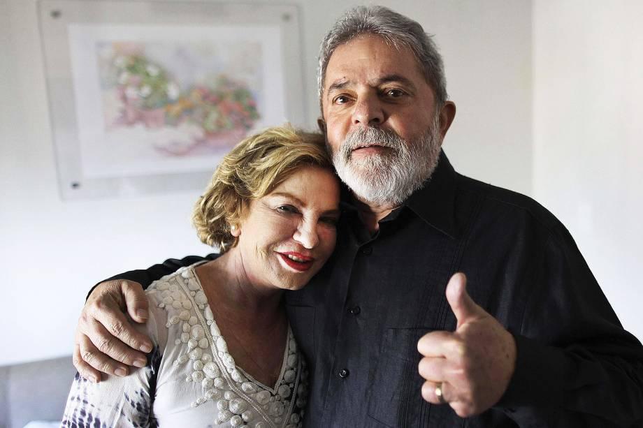 Lula e Marisa no Hospital Sírio-Libanês, no centro de São Paulo, em 2011