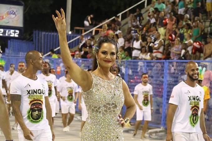 Luiza Brunet em ensaio da Imperatriz – 18/02/2017