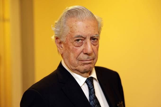 O escritor peruano Mario Vargas Llosa