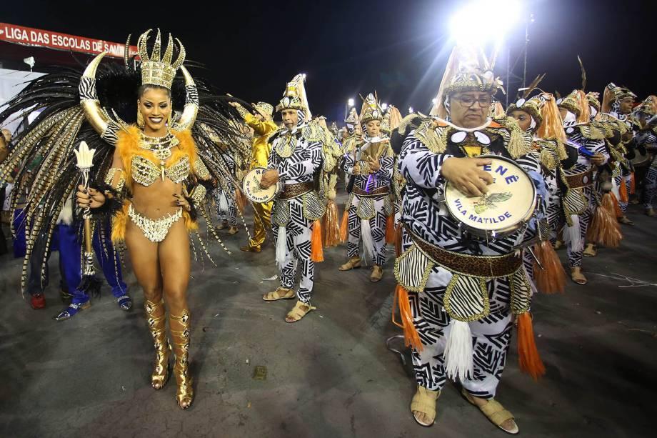 A rainha de bateria da Nenê de Vila Matilde, Ariellen Domiciano, durante o segundo dia dos desfiles das escolas de samba, no Sambódromo do Anhembi, em São Paulo (SP) - 26/02/2017