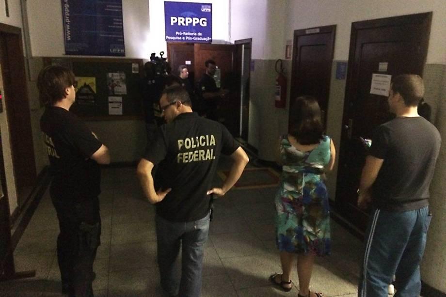 Polícia Federal deflagra operação Ressearch para combater desvio de recursos públicos na Universidade Federal do Paraná