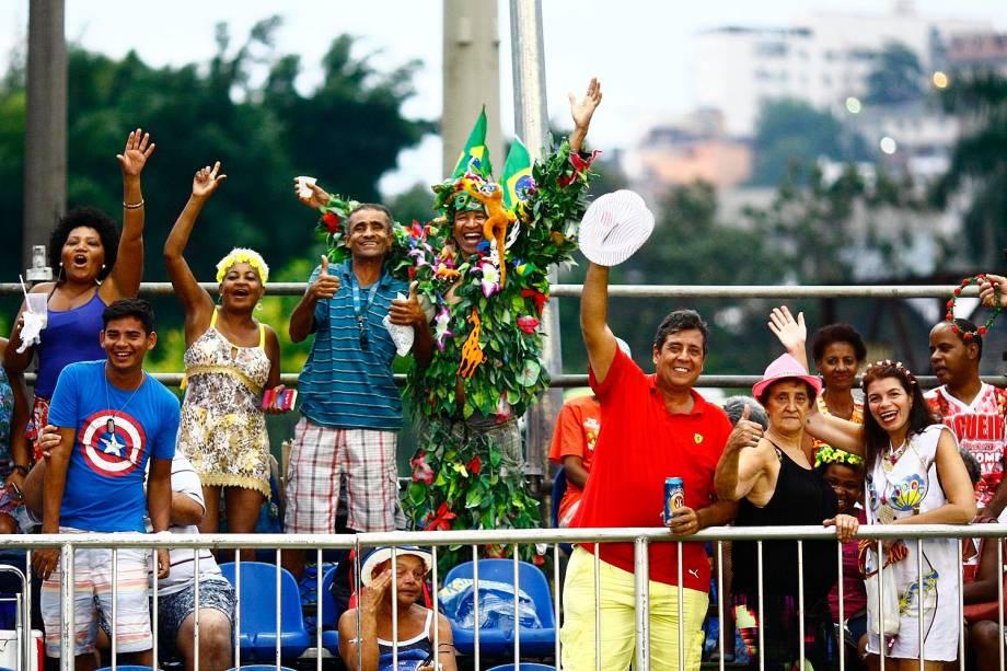 Público chega para ver os desfiles no Sambódromo Marquês de Sapucaí no Rio de Janeiro (RJ) - 26/02/2017