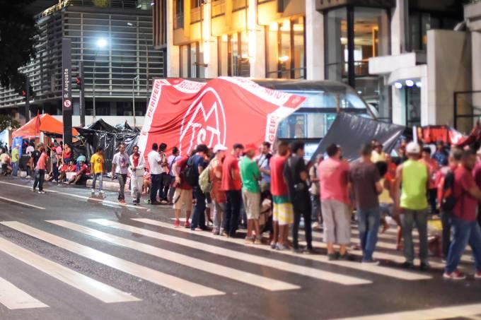 protesto-paulista-manifestacao-mtst-felipe-cotrim-20170216-16