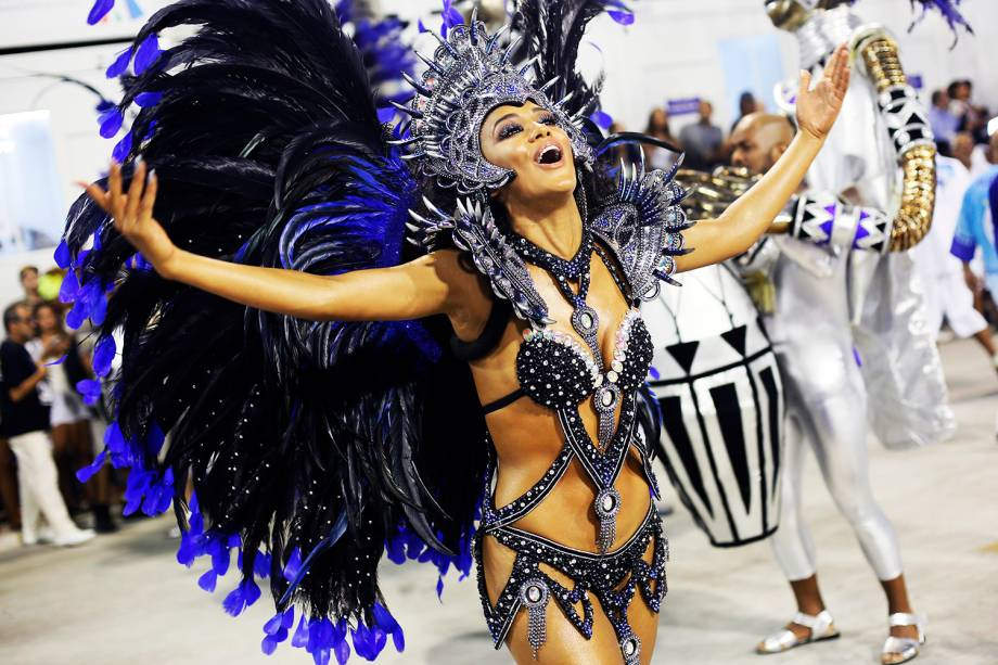 Desfile da escola de samba Unidos de Vila Isabel, no Sambódromo da Marquês de Sapucaí, no Rio de Janeiro (RJ) - 27/02/2017