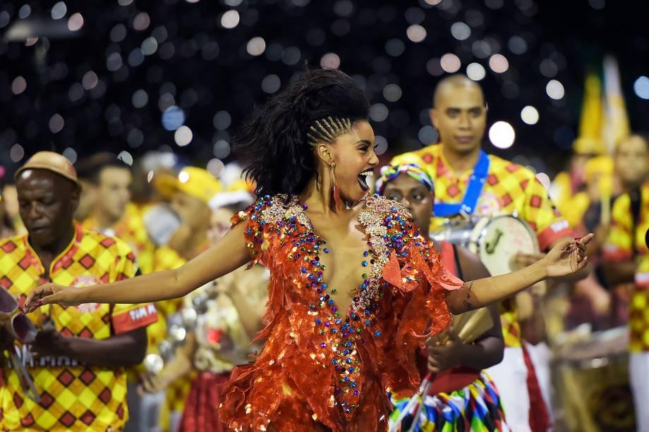 Pamella Gomes, rainha da bateria da Tom Maior e Branco durante ensaio técnico para o Carnaval 2017, no Sambódromo do Anhembi, em São Paulo