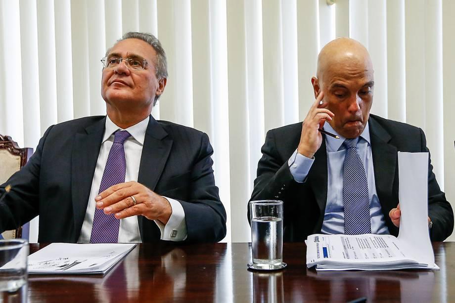 O senador Renan Calheiros (PMDB) e Alexandre de Moraes, licenciado do ministério da Justiça, participam de reunião da bancada do PMDB no Senado Federal, em Brasília (DF) - 14/02/2017