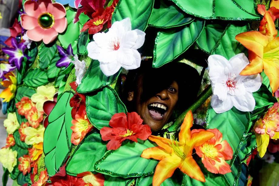 Com o enredo 'Onisuáquimalipanse', a escola de samba São Clemente desfila no Sambódromo da Marquês de Sapucaí, no Rio de Janeiro (RJ) - 28/02/2017