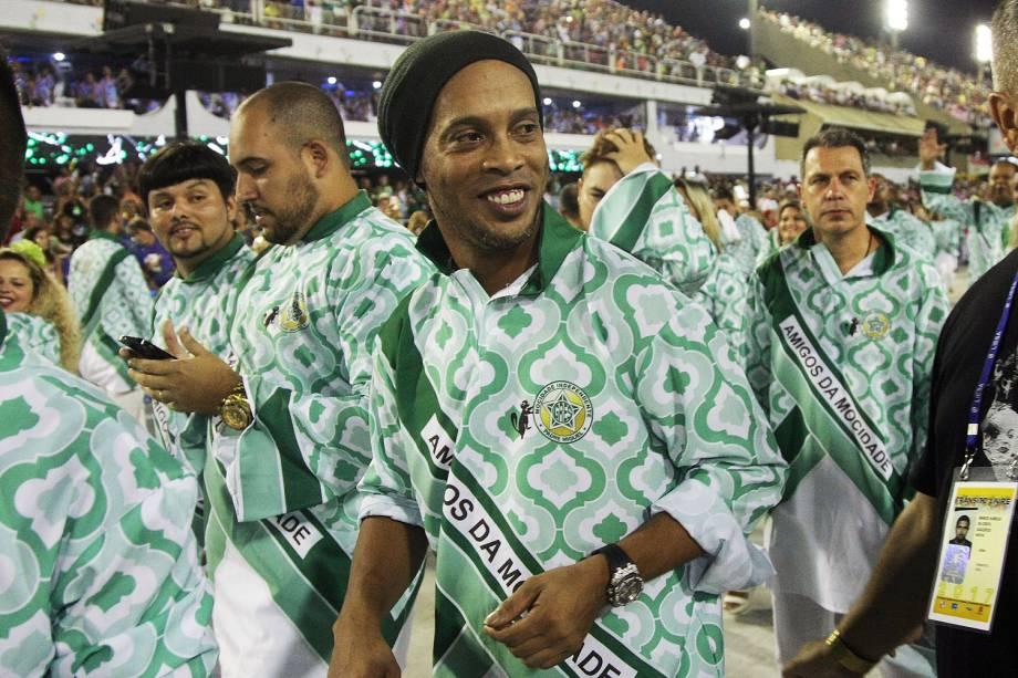 O ex-jogador Ronaldinho Gaúcho desfila pela escola de samba Mocidade Independente de Padre Miguel,no Sambódromo da Marquês de Sapucaí - 28/02/2017