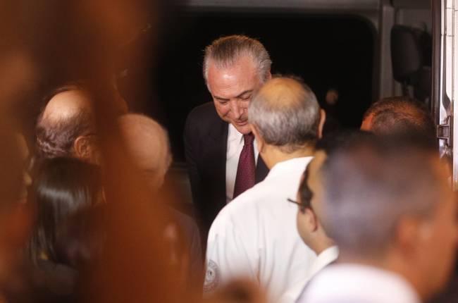 O presidente Michel Temer chega ao hospital Sírio Libanês - Movimentação em frente ao hospital Sírio Libanês, em São Paulo, onde estava internada a ex-primeira-dama Marisa Letícia Lula da Silva