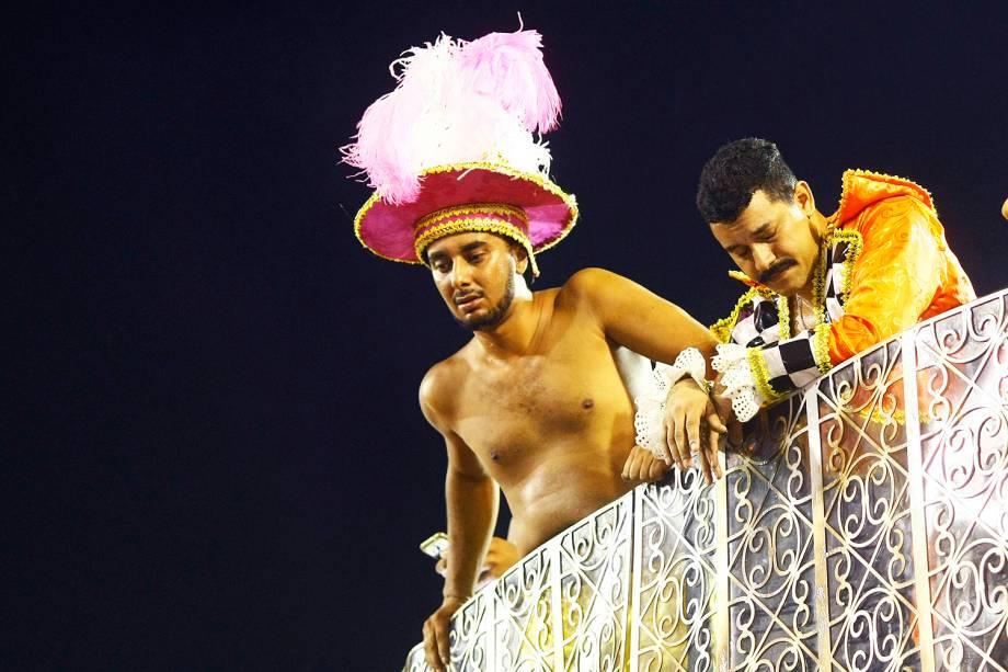 Componentes da Unidos da Tijuca lamentam acidente com carro alegórico - 28/02/2017
