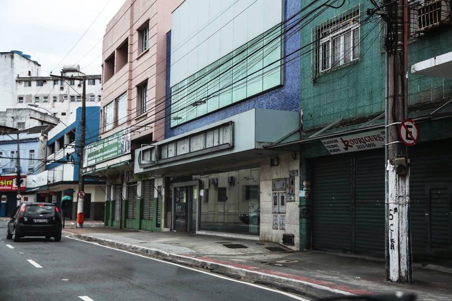 Comércio fechado na Vila Rubim em Vitória (ES), nesta segunda-feira (06), devido à greve de policiais.
