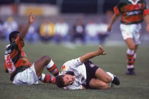 Zé Elias, do Corinthians, no jogo contra a Portuguesa, pelo Campeonato Paulista de 1995.