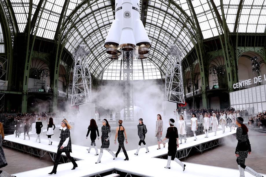 Desfile da coleção Outuno/Inverno da grife Chanel na Fashion Week de Paris - 07/03/2017