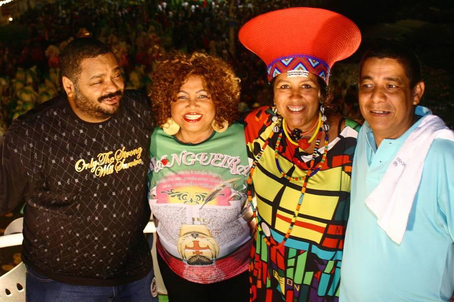 Arlindo Cruz, Alcione, Regina Casé e Zeca Pagodinho no Trio Elétrico Expresso 2222, durante carnaval - (2007)