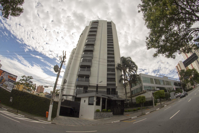 Sérgio Moro ordena sequestro de apartamento que seria de Lula