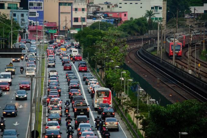 Paralisações afetam o transporte público no país