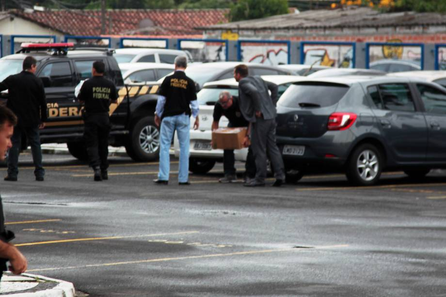 Movimentação na sede da Policia Federal no Paraná durante a operação Carne fraca - 17/03/2017