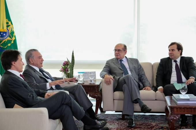 Michel Temer discute reforma política em Brasília