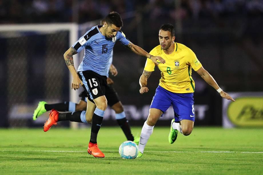 Renato Augusto durante o jogo do Brasil contra o Uruguai pelas eliminatórias para a Copa da Russia de 2018, no Estádio Centenário em Montevidéu