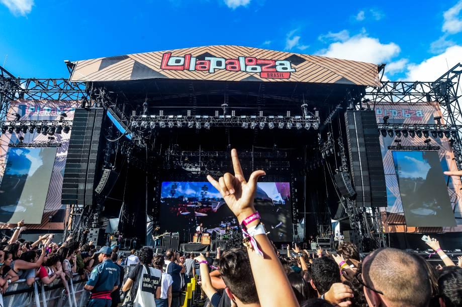 Show do Cage the Elephant levanta o público na 6ª edição do Lollapalooza