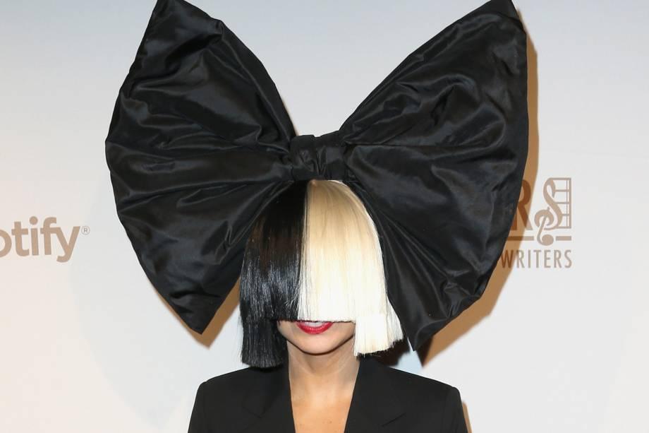 A cantora Sia durante evento do Spotify em 2016