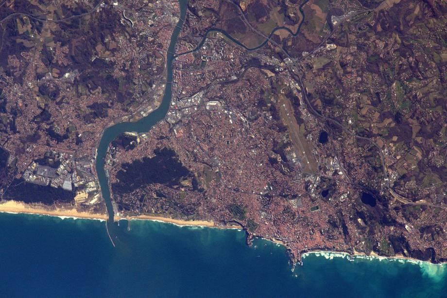 Costa sudoeste da França. Na foto, Pasquet destaca as cidades de<span>Biarritz,Bayonne eAnglet</span>