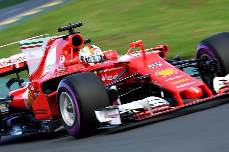 Sebastian Vettel, da Ferrari, corre durante o último treino antes do Grand Prix de amanhã e se classifica em 2º no grid de largada - 25/03/2017