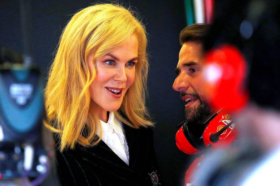 A atriz australiana Nicole Kidman visita as garagens dos times durante o último dia de treino para o Grand Prix da F1 de amanhã - 25/03/2017