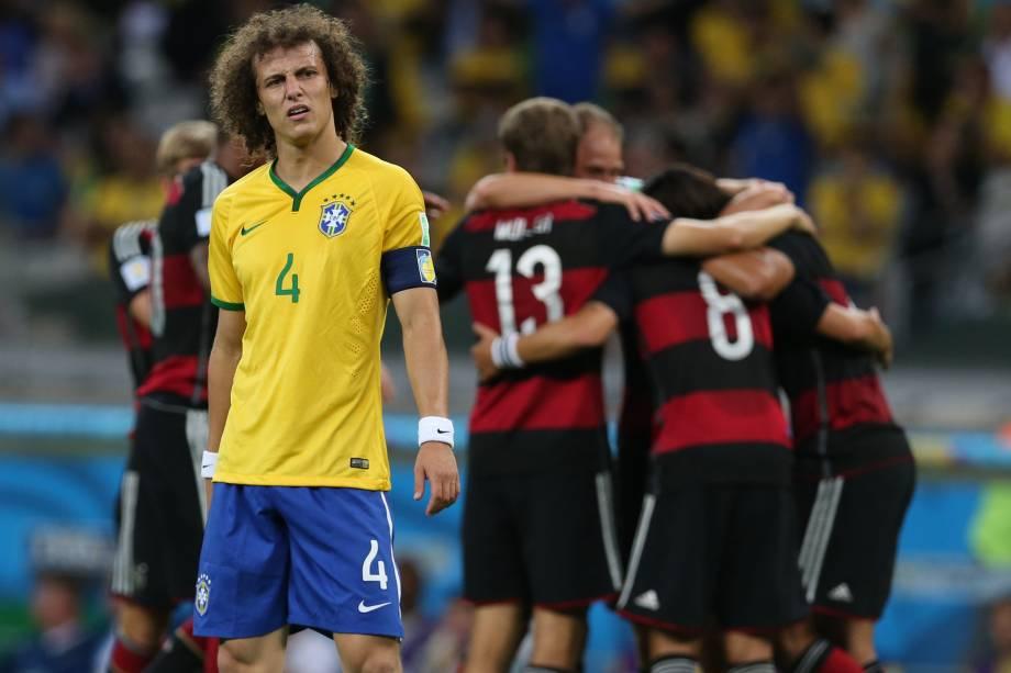 David Luiz lamenta mais um gol da Alemanha na goleada por 7 a 1 na semifinal da Copa do Mundo de 2014, disputada no Mineirão