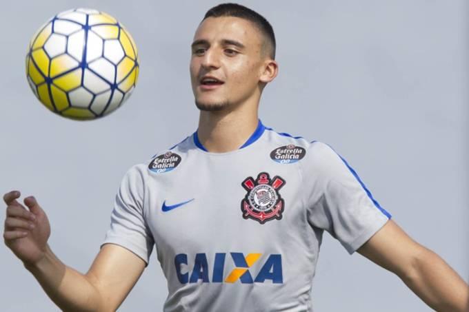 O volante Guilherme Mantuan do Corinthians