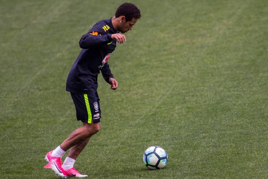 O atacante Neymar durante treino da seleção brasileiro no Itaquerão, em preparação para a partida contra o Paraguai, válida pelas Eliminatórias da Copa da Rússia