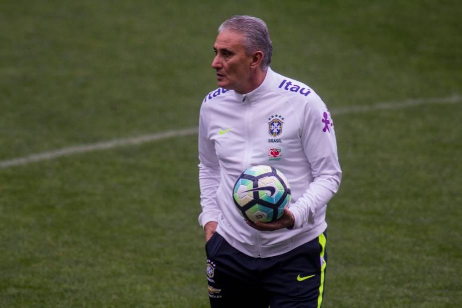 O técnico Tite comanda o treino da seleção brasileira no Itaquerão, em São Paulo - 27/03/2017