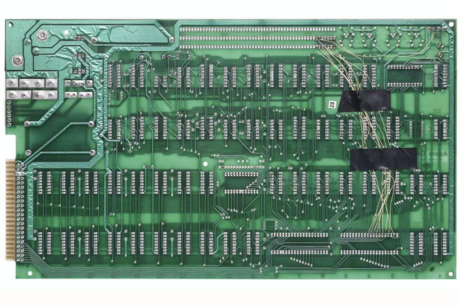 <span>Microprocessador do Apple-1. Computador da Apple lançado em 1976.</span>