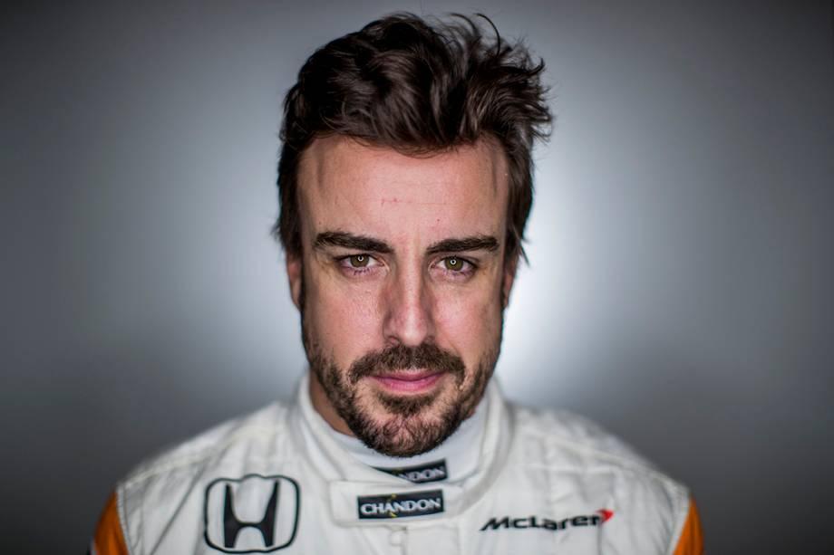 Fernando Alonso, 35 anos, Espanha. Corre pela McLaren, possui 97 pódios e é bicampeão mundial (2005, 2006)