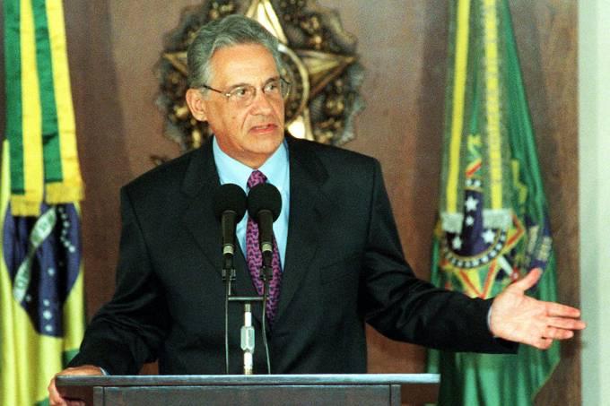 presidente brasileiro Fernando Henrique Cardoso durante discurso, em Brasília – 10/02/1999