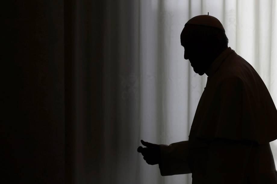 Papa Francisco é fotografado após audiência privada com o presidente libanês Michel Aoun, no Vaticano - 16/03/2017