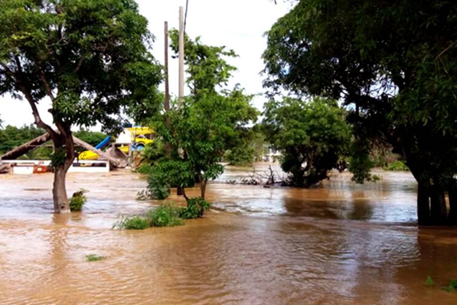 Inundação do zoológico Las Pirkas, em Lambayeque, Peru - 15/03/2017